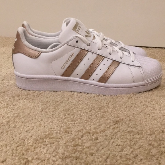 8507a4aa9e3 Adidas superstar shoes in rose gold.Sze 6 in women